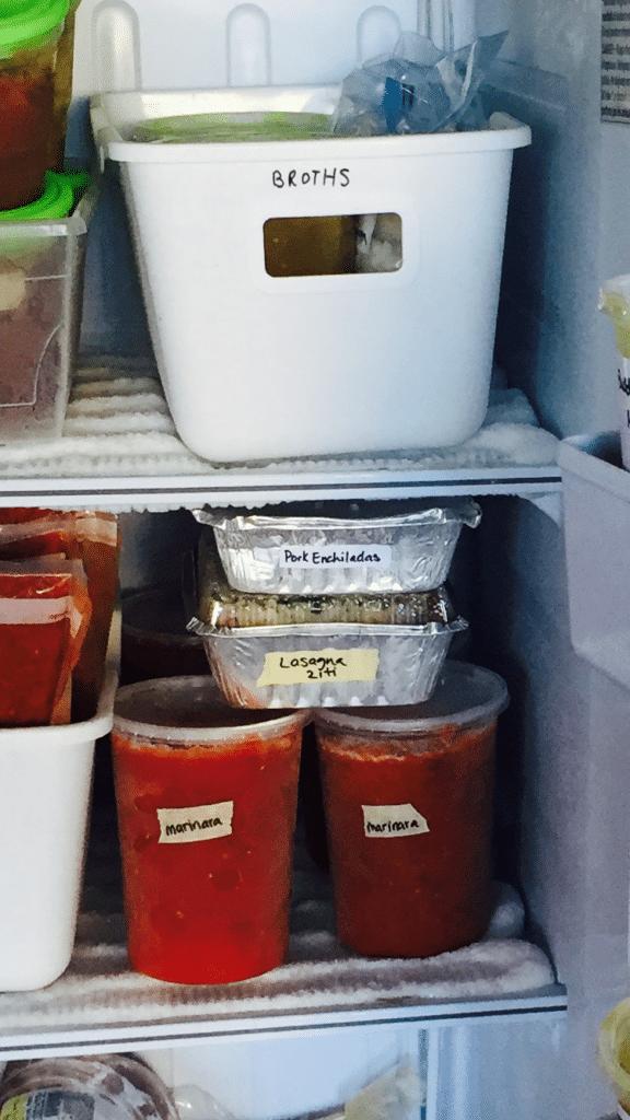 plastic-freezer-sauce-containers