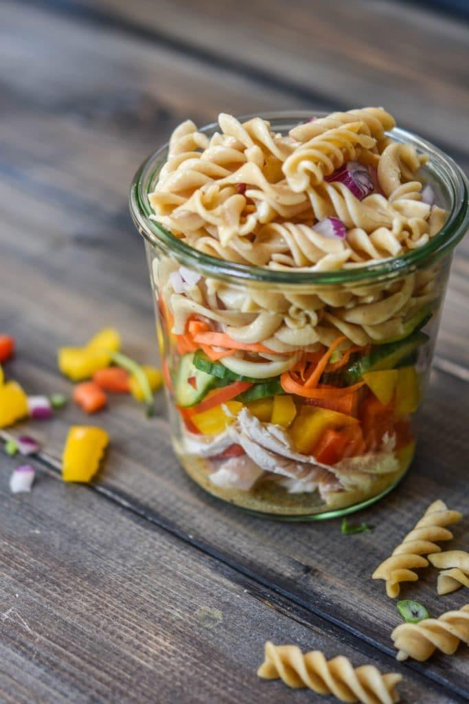 No-microwave-Turkey-Fuselli- Mason-Jar-Salad