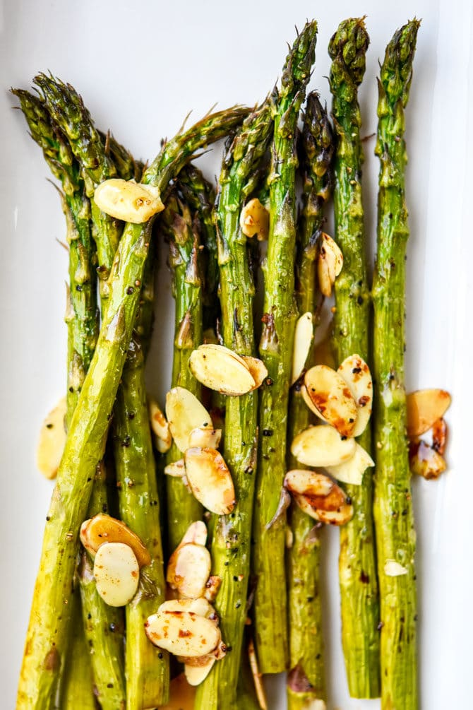 Air Fryer Balsamic Asparagus with Sliced Almonds_3
